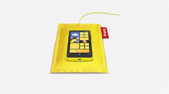 Беспроводная зарядная подушка Nokia от Fatboy