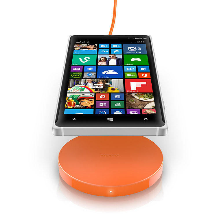 Nokia Wireless Charging Plate DT-601 with Lumia 920
