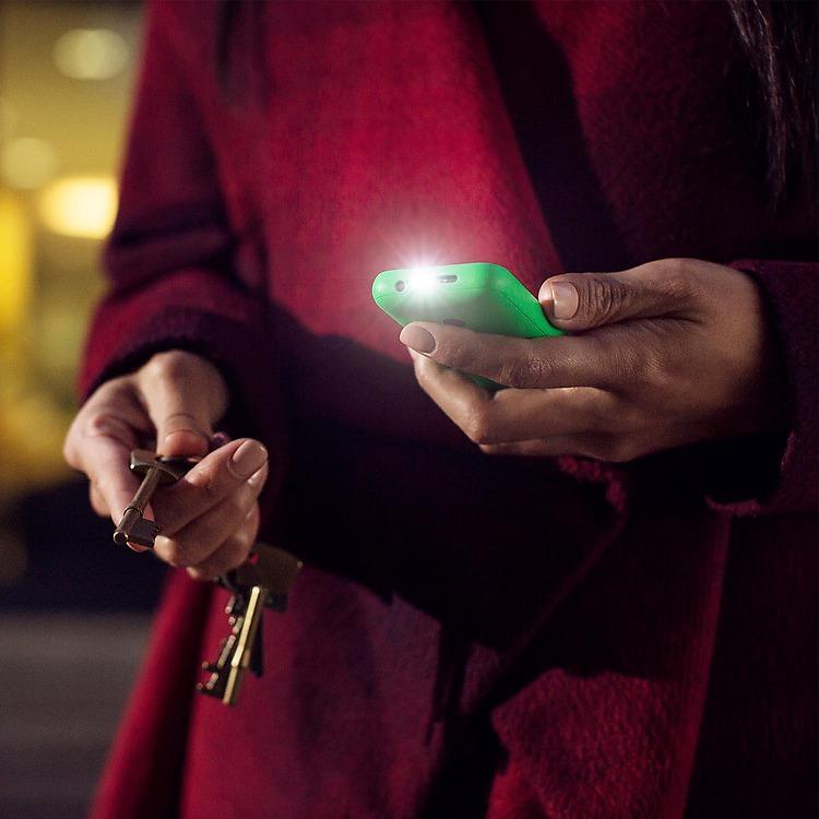 Nokia 215 Dual SIM torch