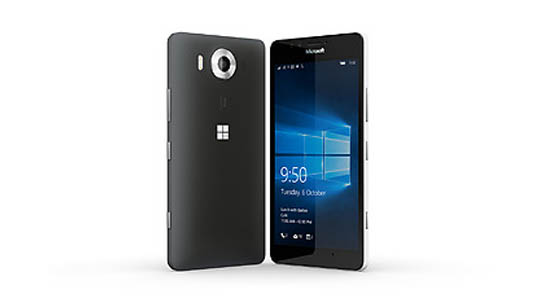 Black Lumia 950 facing backwards to show camera and a white Lumia 950 facing forwards showing glance screen feature
